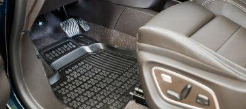 3D gumi tepihi z visokim robom
