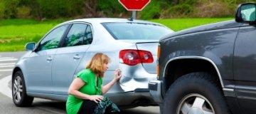 Ravnanje v primeru poškodovanega vozila v tujini