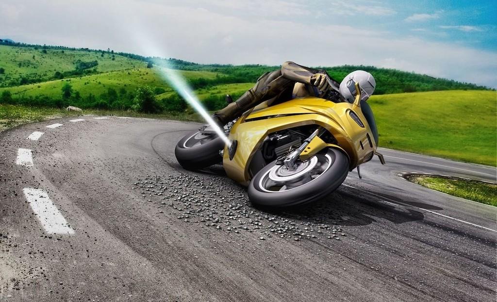 Boschev sistem za preprečevanje padcev motoristov
